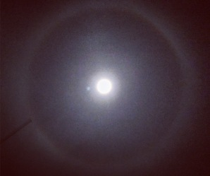 Ring around the moon, bad weather coming
